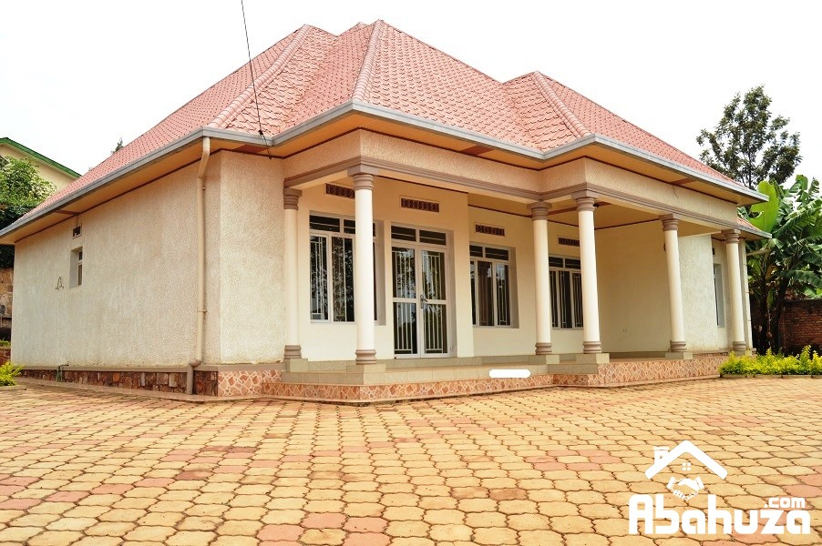 A NICE 4 BEDROOM HOUSE FOR RENT AT GISOZI