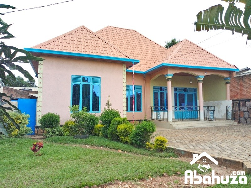 A GOOD AND CHEAP HOUSE FOR SALE AT KANOMBE