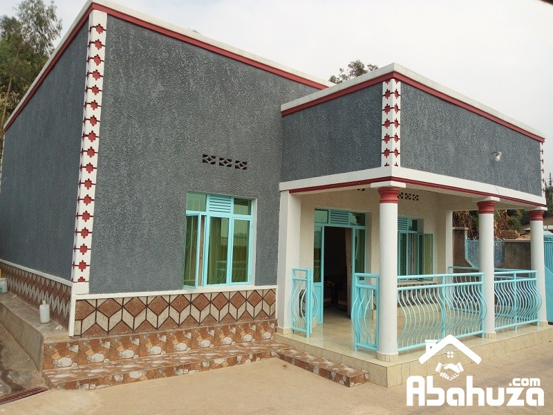 A GOOD PRICE HOUSE FOR SALE AT NYAMIRAMBO