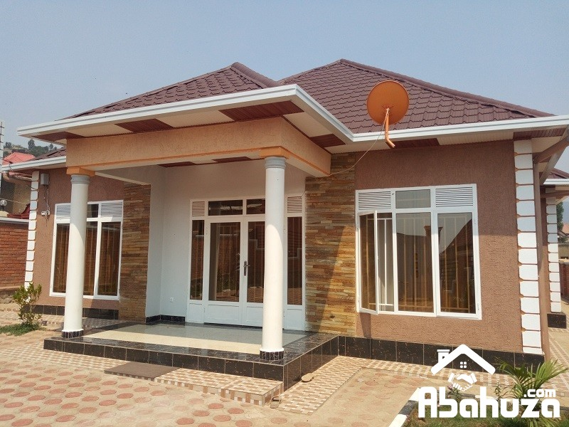 A VERY NICE HOUSE IN GOOD LOCATION