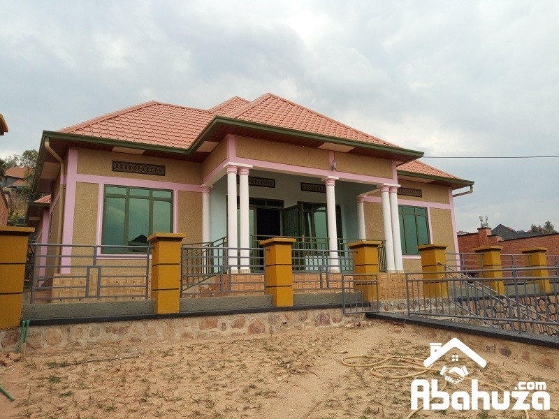 A NICE HOUSE OF 4 BEDROOMS FOR SALE AT KIBAGABAGA