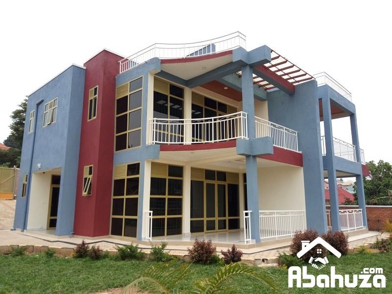 BRAND NEW HOUSE FOR SALE ON ASPHALT ROAD