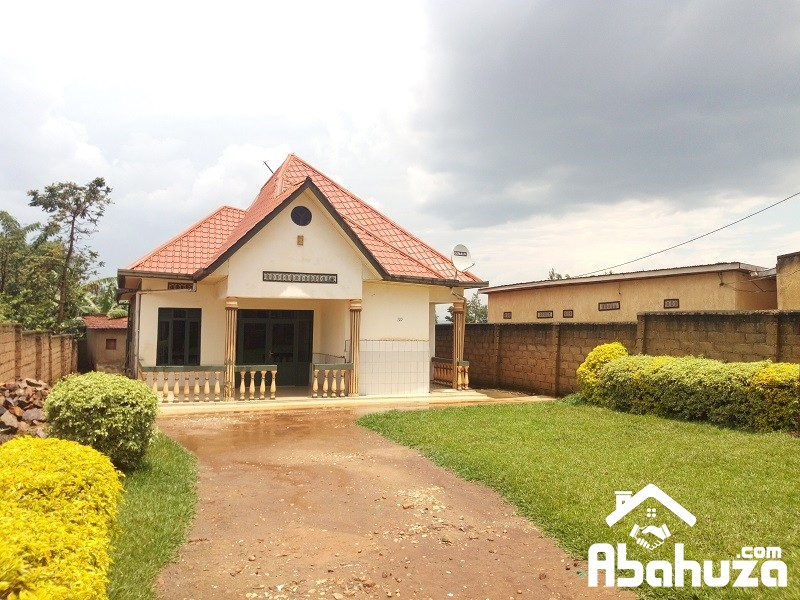 A BIG HOUSE OF 4 BEDROOM IN PLOT OF 563QM