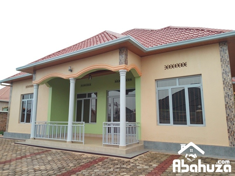 A CONFORTABLE HOUSE FOR SALE IN KIGALI AT KANOMBE