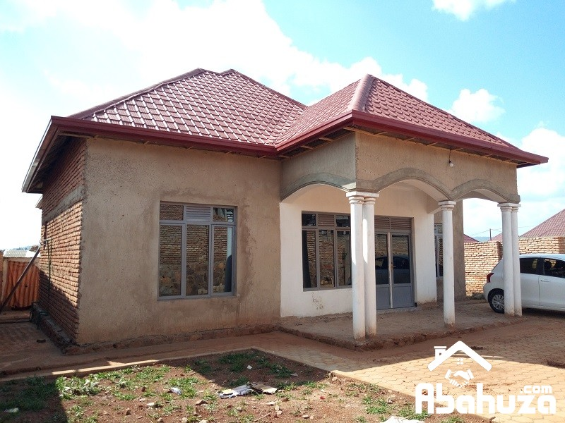 ALMOST FINISHED HOUSE IN DEVELOPPED ESTATE AT GASOGI