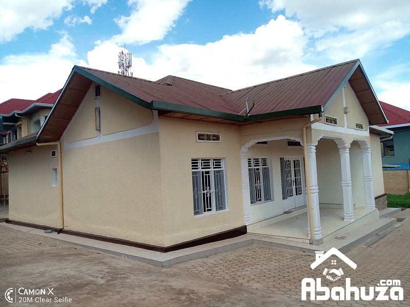 A 4 BEDROOM HOUSE FOR RENT IN KIGALI AT GISOZI