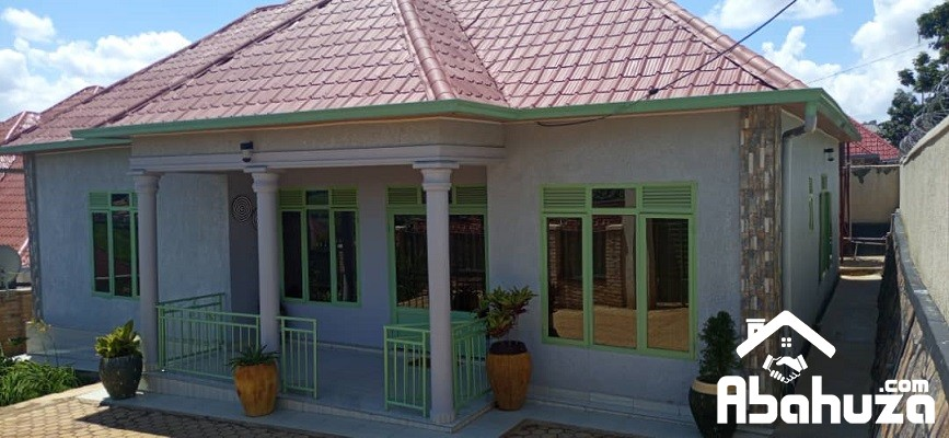 A NICE HOUSE FOR SALE IN KIGALI AT KABEZA ON TARMAC ROAD