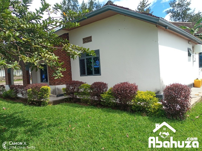 A 3 BEDROOM HOUSE FOR SALE IN KIGALI AT NYARUTARAMA
