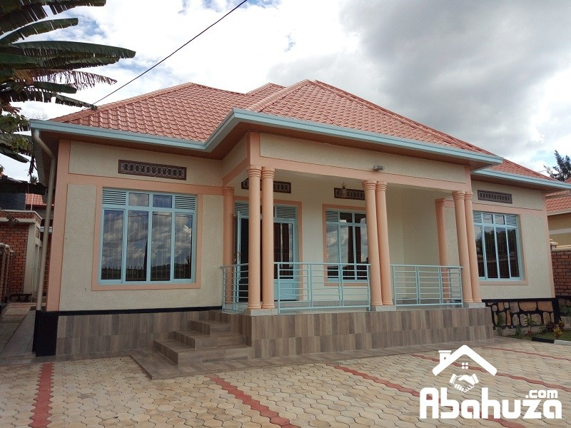 A NICE HOUSE FOR SALE IN KIGALI  AT KIBAGABAGA