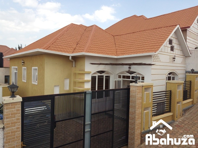 A NICE HOUSE FOR SALE ON LOW PRICE IN KIGALI AT KAGARAMA