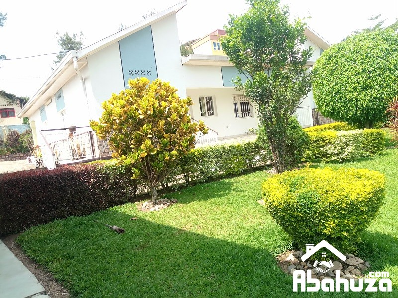 A FURNISHED 3 BEDROOM HOUSE FOR RENT IN KIGALI AT RUGANDO