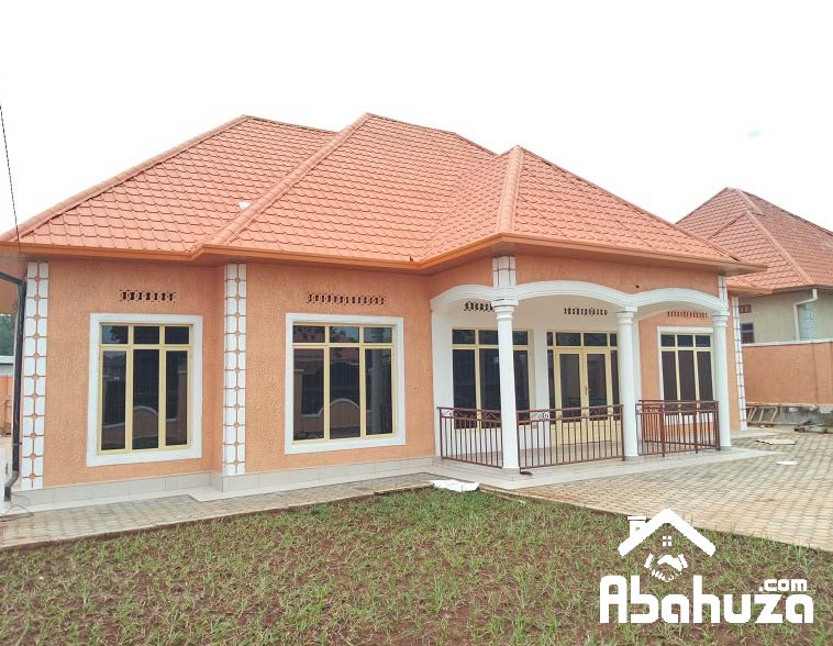 A NEW 5 BEDROOM HOUSE FOR SALE AT KICUKIRO