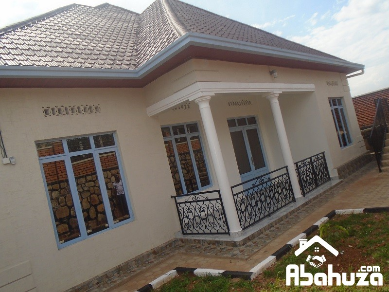 A NEW 4 BEDROOM HOUSE FOR SALE IN KIGALI AT KAGARAMA