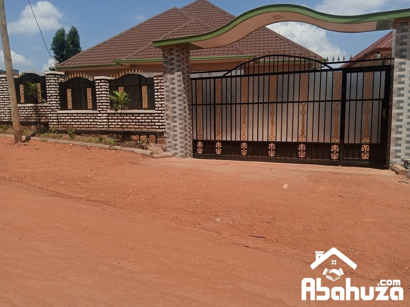 A NEW 4 BEDROOM HOUSE FOR SALE IN KIGALI AT KANOMBE