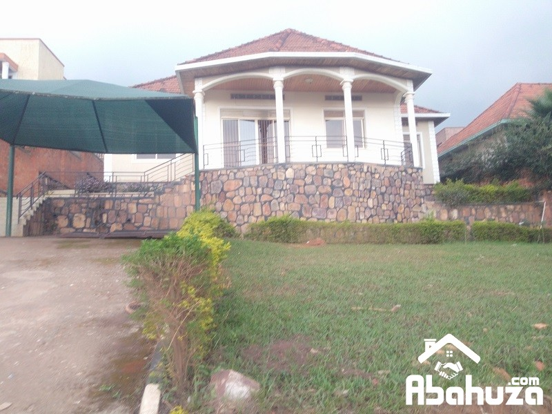 A 4 BEDROOM HOUSE FOR RENT AT NYARUTARAMA
