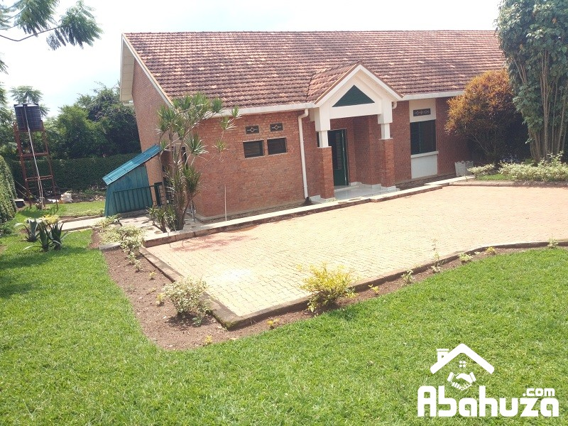 A FURNISHED 3 BEDROOM HOUSE FOR RENT IN KIGALI AT GACURIRO