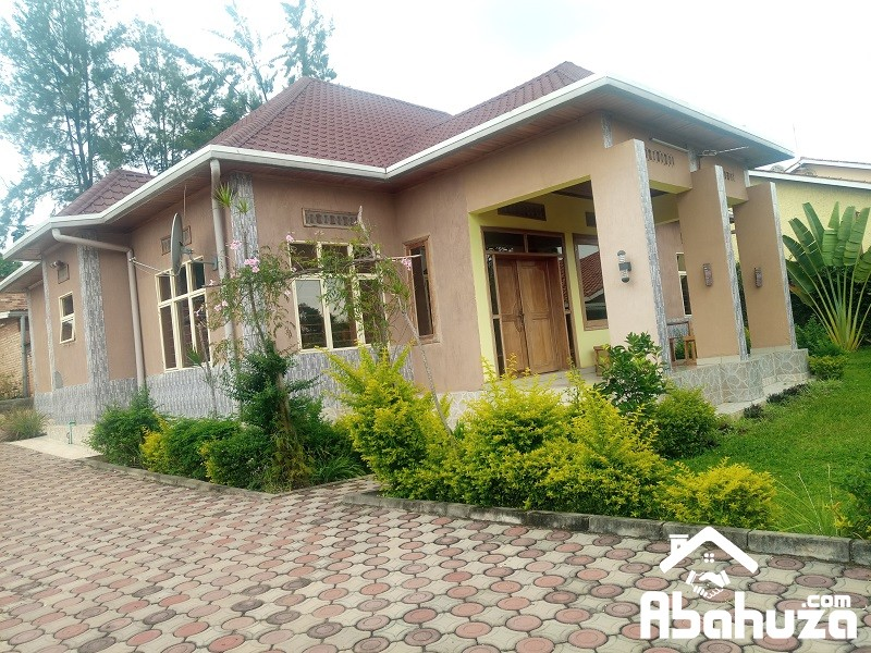 A FURNISHED 4 BEDROOM HOUSE FOR RENT IN KIGALI AT RUGANDO