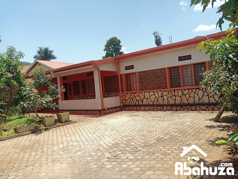 A FURNISHED 5 BEDROOM HOUSE FOR RENT IN KIGALI AT GIKONDO