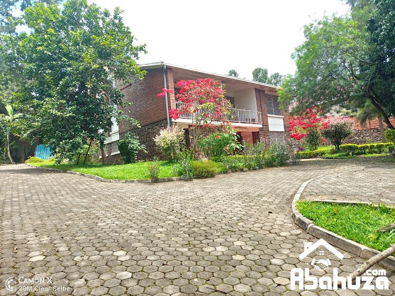 A 5 BEDROOM HOUSE FOR SALE IN KIGALI AT KIYOVU