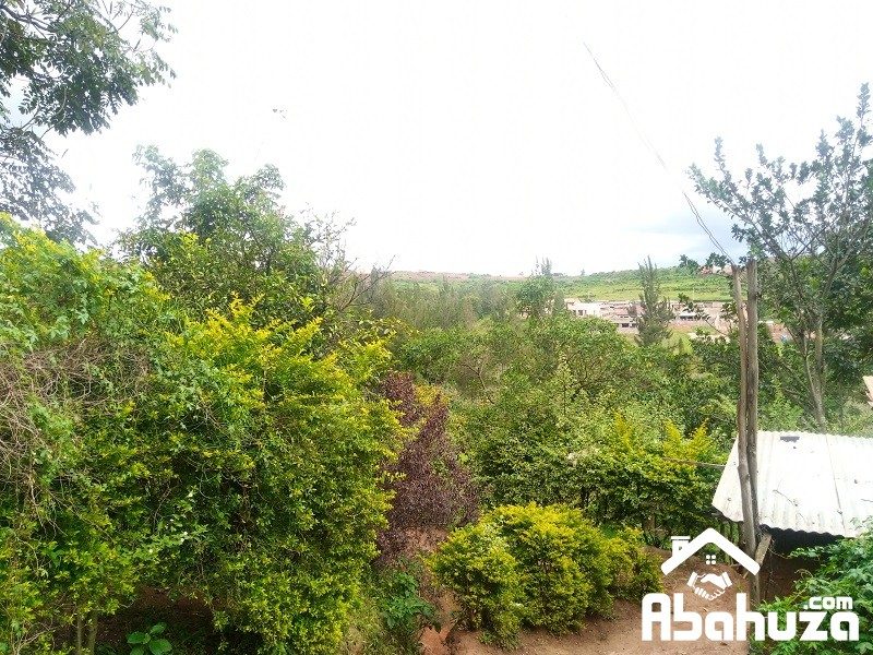 A  BIG RESIDENTIAL PLOT FOR SALE IN KIGALI AT KAGUGU